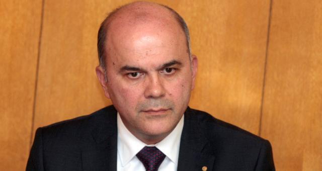 Борисов дръпна стола на социалния министър