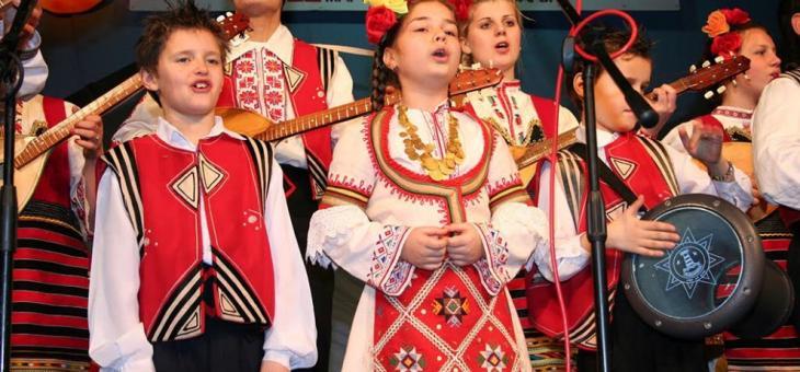 """Над 2000 деца във фестивала """"Орфеево изворче"""" в Стара Загора"""
