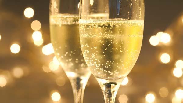 За шампанско...с много пари