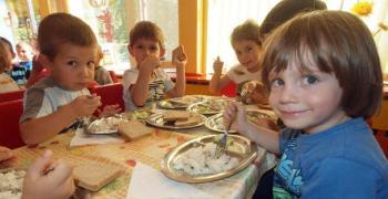 Проверяват кухненските блокове в детските и учебни заведения