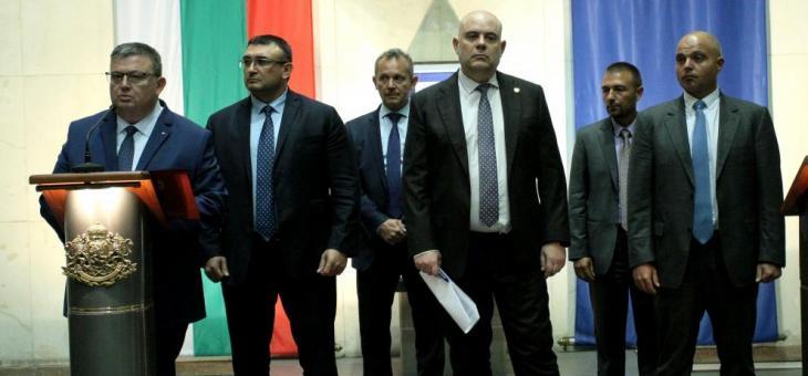 """Пране на пари и шпионаж зад арестите в """"Русофили"""""""