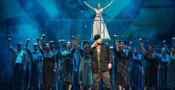 """Стефан Вълдобрев се завръща отново на сцената в родния си град с хитовия мюзикъл """"Евита"""""""