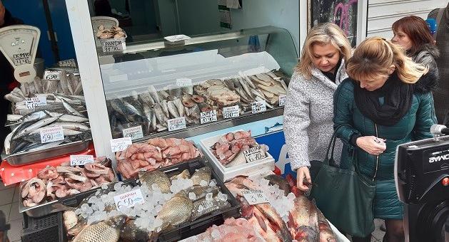 Засилени проверки на предлаганата риба преди Никулден