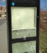 Потрошиха елекронно табло на автобусна спирка в Стара Загора