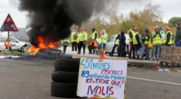 Нови протести за цените на горивата във Франция, блокирани са петролни депа