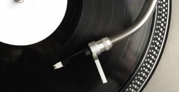 Музикаутор: Туристическите и търговски обекти с отстъпка за музиката до края на юни