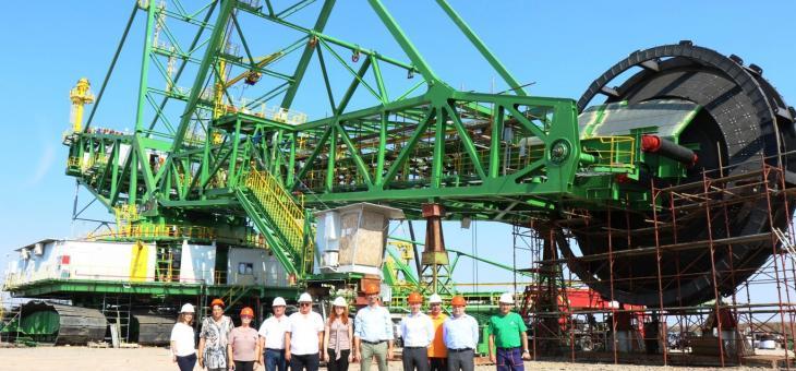 Делегация инспектира напредъка по изграждането на новите роторни багери в Мини Марица-изток