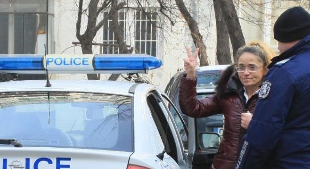 Иванчева и Петрова напуснаха следствения арест