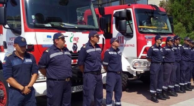 Пожарникарите в протестна готовност