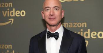 """Шефът на """"Амазон""""  отново оглави списъка на най-богатите хора в света"""
