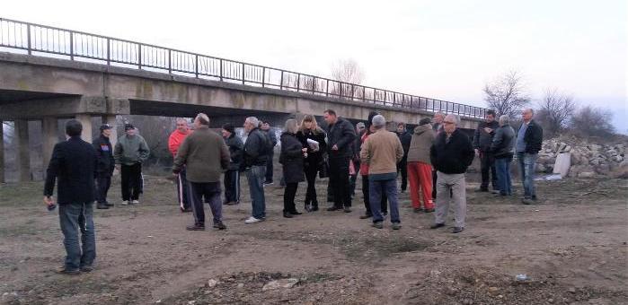 Жители на Розово на протест