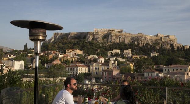 В Гърция ресторантите и кафенетата отварят врати на 25 май