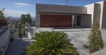 """Къщата от """"Барселонагейт"""" се продава за 3 млн. евро"""