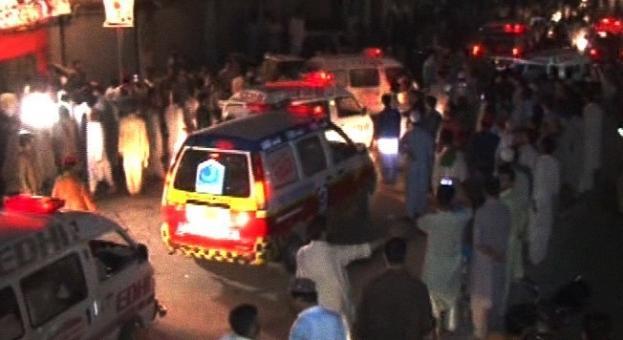 Шест убити и 36 ранени при самоубийствен атентат в Пакистан