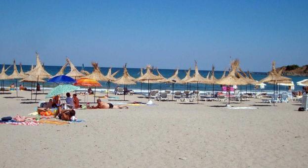 Подписка в Бургас: Не на голите по плажа!