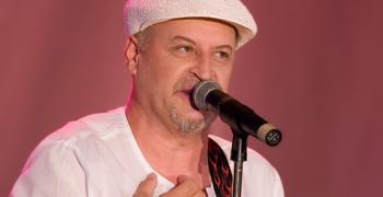 Йордан Караджов: Да задържиш 42 години една група на сцена е геройство