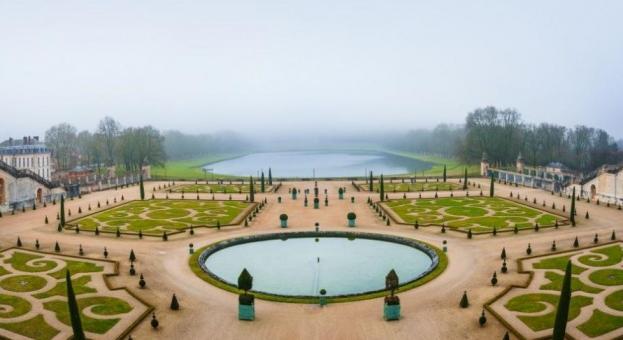 Дворецът Версай очаква посетители