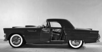 Сватбеният кабриолет на Мерилин Монро излиза на търг