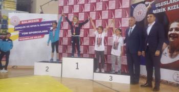 Златен медал по борба донесе в Стара Загора 10-годишно момиче