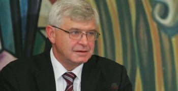 Здравният министър Ананиев призова родителите да ваксинират децата си