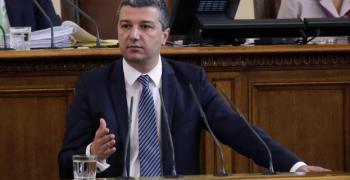 Драгомир Стойнев: Нито един депутат от управляващите не пожела да защити правителството