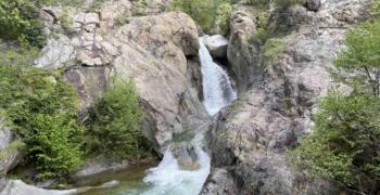 Откриха тялото на 21-годишния мъж, изчезнал до водопад в Карлово