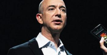 """""""Форбс"""": Най-богатият мъж на света е основателят на Amazon"""