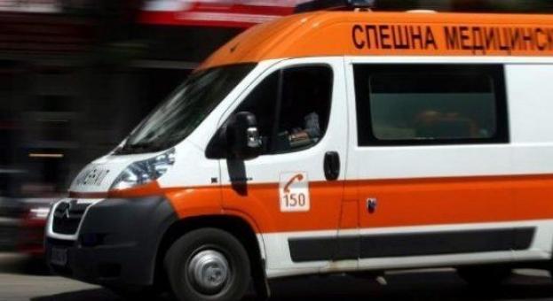 Възрастна жена и 5-месечно бебе пострадаха при катастрофа в Стара Загора