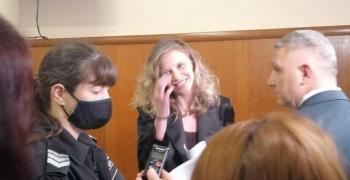 Делото срещу ЛиЛана отново не тръгна, тя се отказа от адвокат Хаджигенов