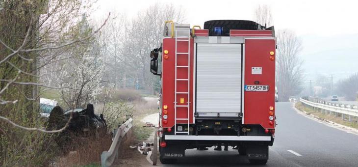Жена загина в тежка катастрофа край Казанлък
