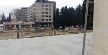 Почти 50 са откритите гробове пред общината