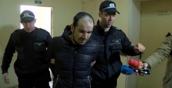 Мъжът, нападнал курсанти, остава в ареста
