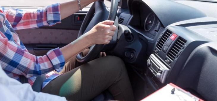 Предложение: Младите водачи да не шофират без придружител между 22.00 и 6.00 ч. сутринта