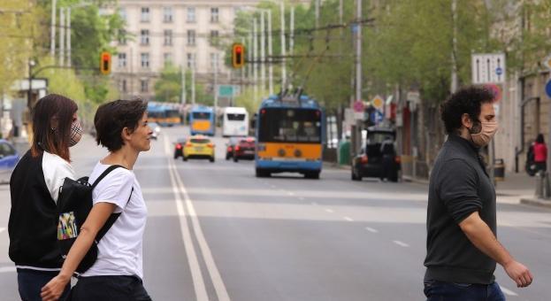 Проучване: Доходите на 45% от българите са непроменени от началото на кризата
