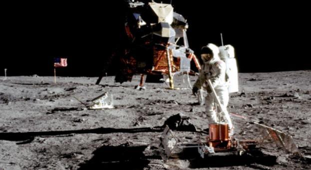 Днес се навършват 50 години от стъпването на човек на Луната