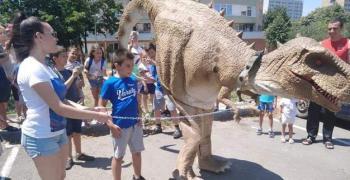 За първи път Динозавърско шоу за деца в Стара Загора