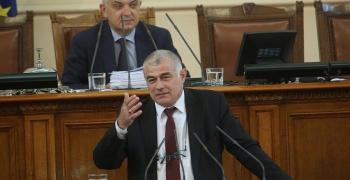 Гьоков: Не ме изненадва, че социалният министър подаде оставка, а че правителството не подава