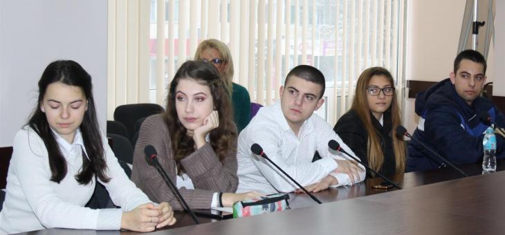 Ученици гостуваха на Областна администрация