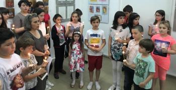 """Децата от Ателието по иконопис при храм """"Света Троица"""" с нова изложба"""