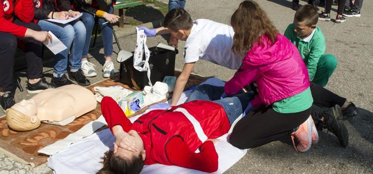 Отборът на Шесто основно училище спечели състезание за защита при бедствия