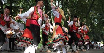 """Съборът """"Богородична стъпка""""  отново събира хиляди на Старозагорските бани"""
