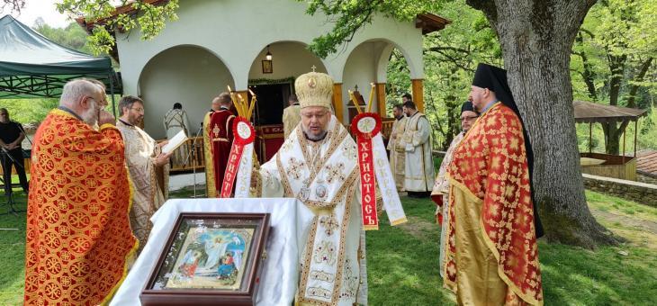 Негово Високопреосвещенство Старозагорският митрополит Киприан отслужи св. Божествена Златоустова литургия