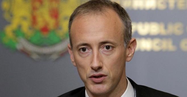 Министър Вълчев: няма да има нулева учебна година