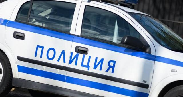Двама пияни зад волана в ареста, жена с опасност за живота