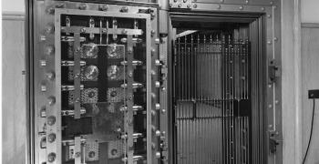 Мъж отвори сейф в музей, заключен от десетилетия