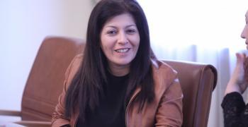 Севделина Арнаудова освобождава ПР-ското място до Борисов