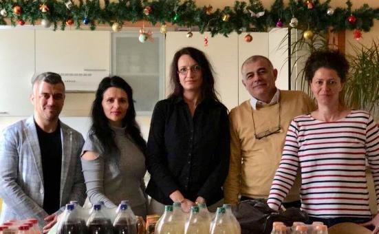 Депутатът Георги Гьоков с новогодишни подаръци за децата