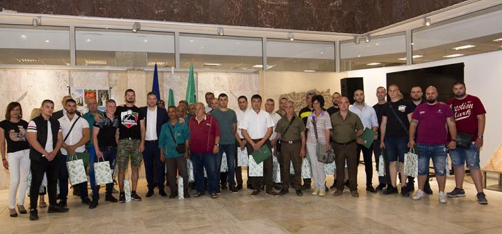 Наградиха доброволците помагали за справяне с последиците на бурята в Стара Загора