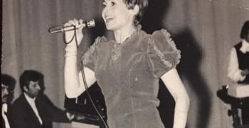 Лили Иванова сподели уникална своя снимка от 70-те
