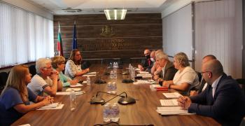 """Работи се за осигуряване на средства за забавени плащания към """"Автомагистрали – Черно море"""" АД за ремонта на АМ """"Тракия"""""""